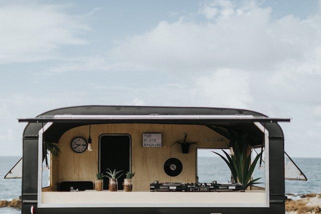 DJ Nantes pays de Loire caravane évènementiel