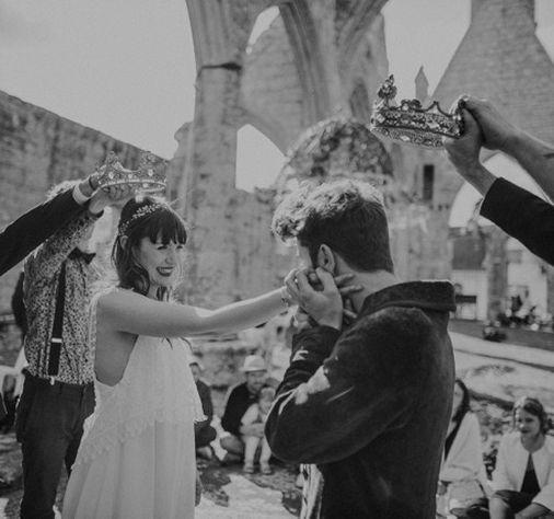 Couple heureux de se marier