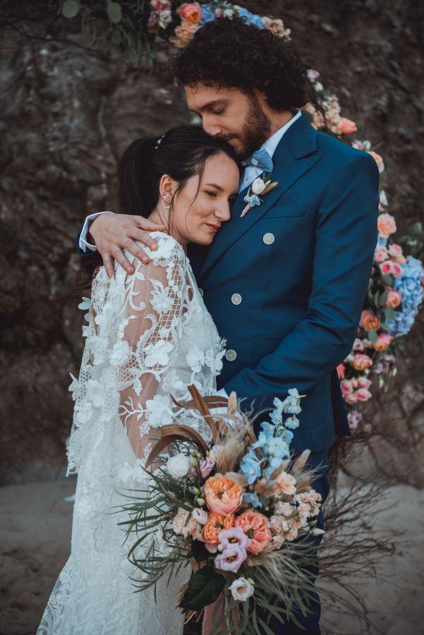 Mariage couple tenue sur-mesure Silvene Hedon Nantes