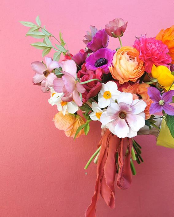 bouquet colore moderne fleuristes mariage nantes
