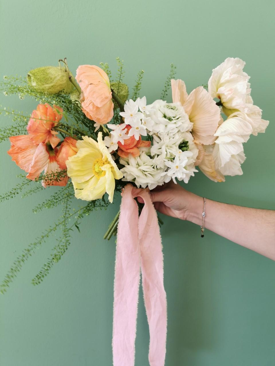 bouquet de mariée coloré fleuriste nantes