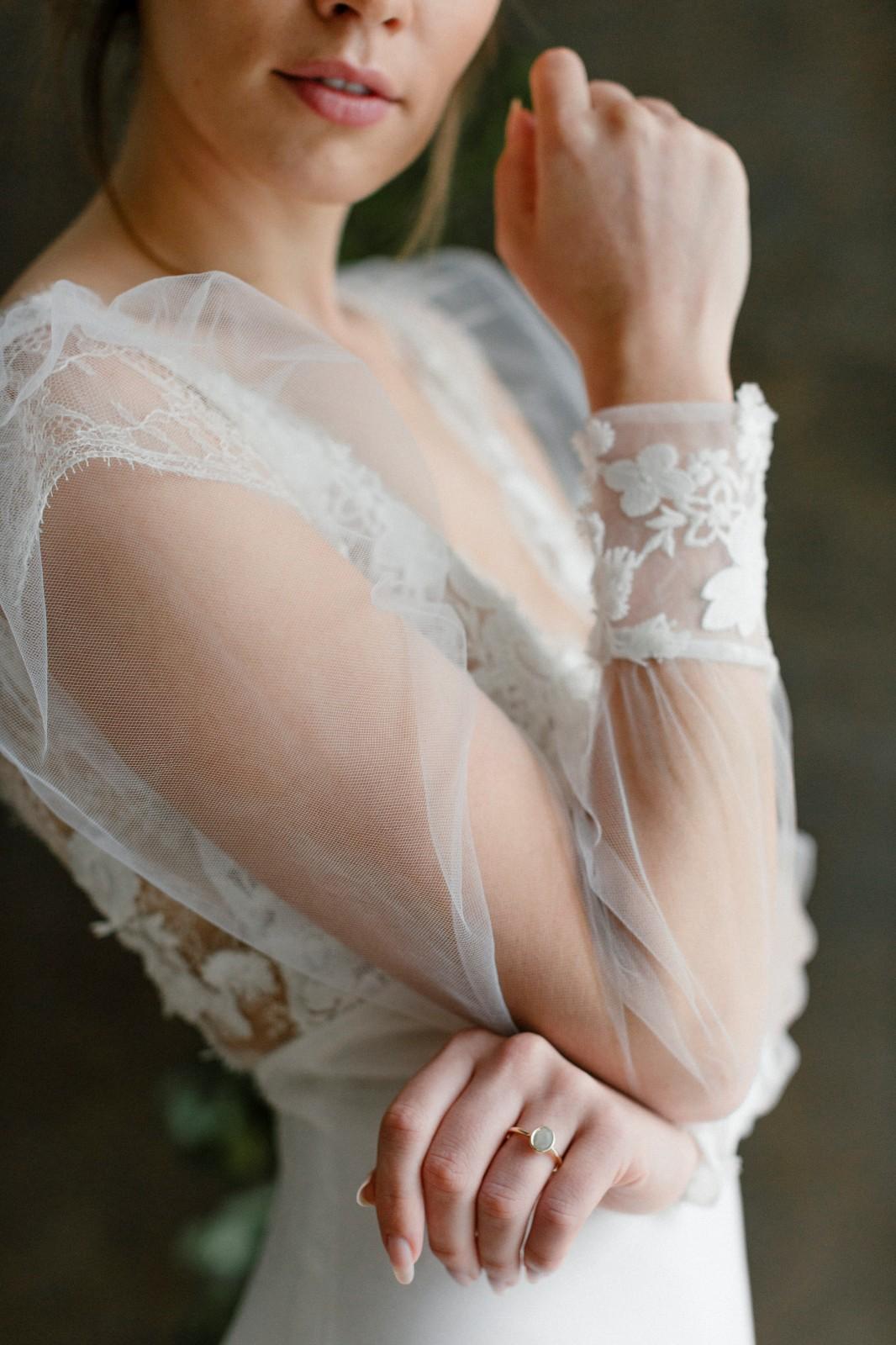 robe de mariee moderne dentelle pays de la loire