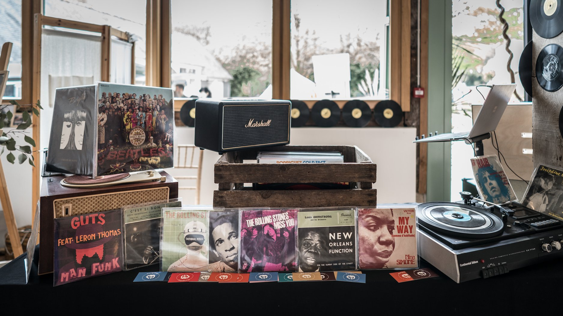 DJ mariage rétro tendance bar à vinyles original Rennes