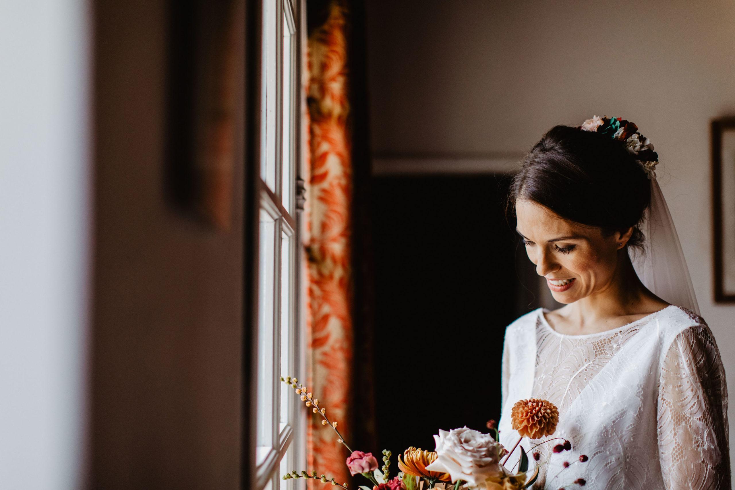 mariage automnal pays de la loire coiffure mariée fleurs