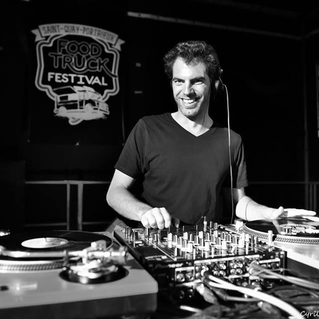 collectif de DJ original mariage île et vilaine vinyles ambiance fête soirée dansante