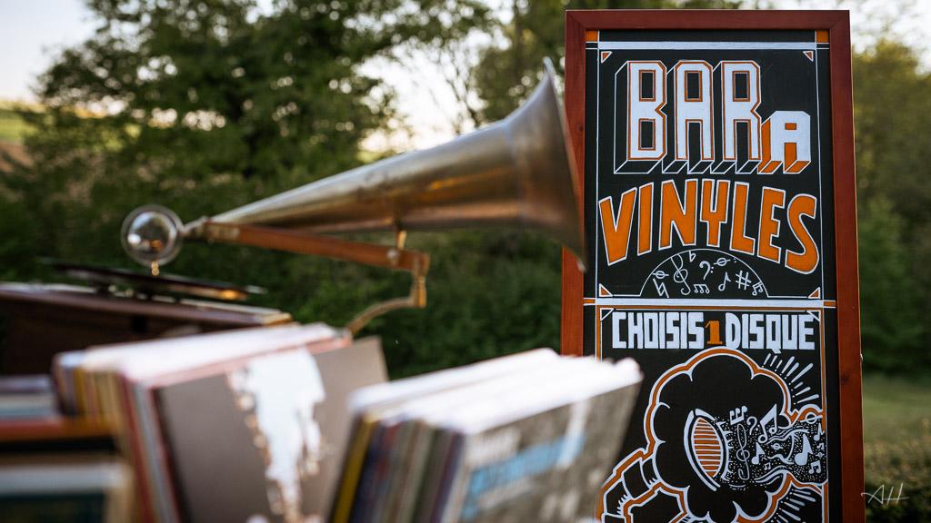bar à vinyles musique DJ mariage moderne tendance Nantes
