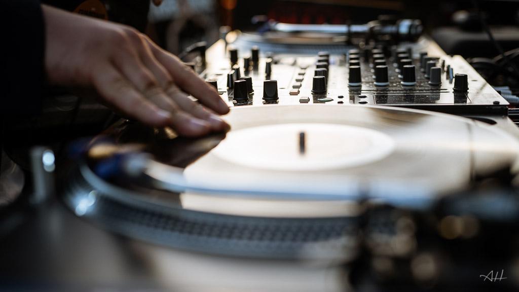 DJ mariage île et vilaine tendance collectif d'artistes vinyles vintage