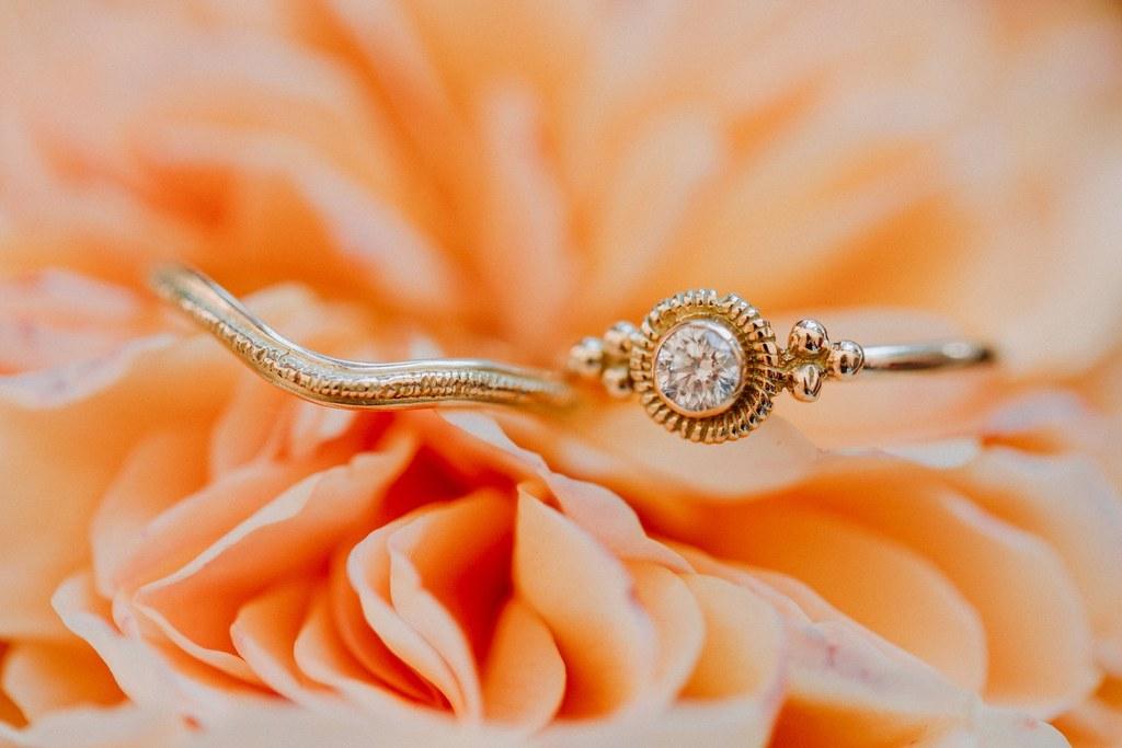 alliances et bague fiançailles modernes vintage mariage nantes