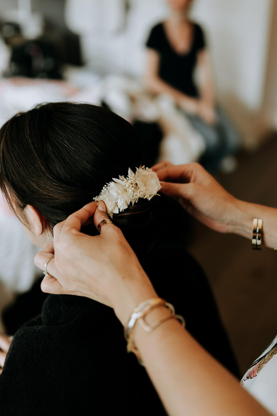 coiffure mariage pornichet broche fleurs séchées