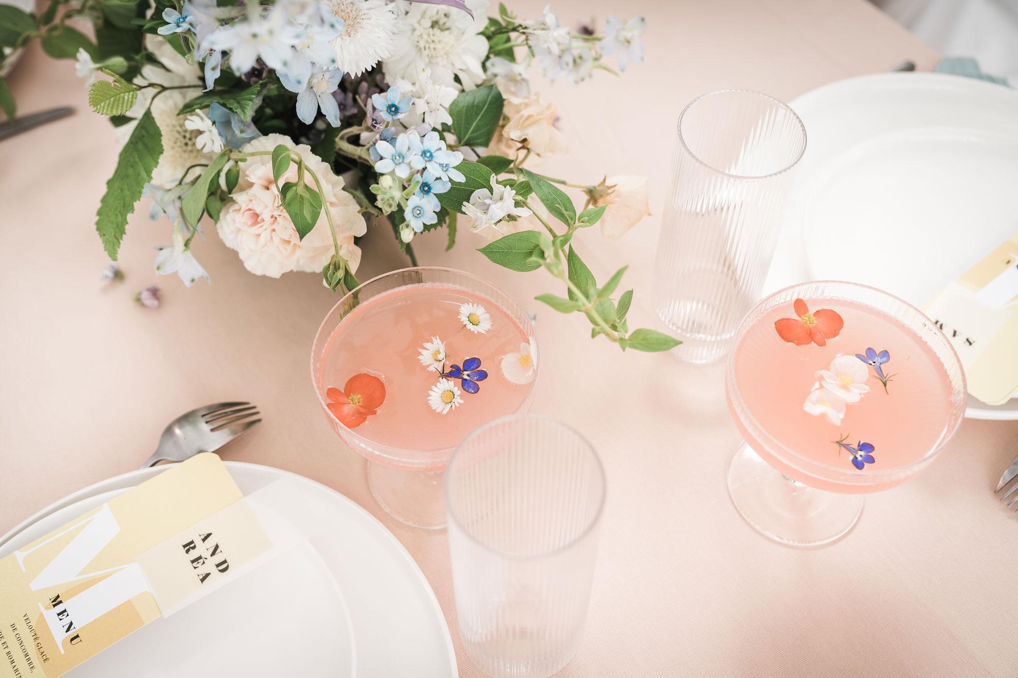 decoration florale table mariage pastel