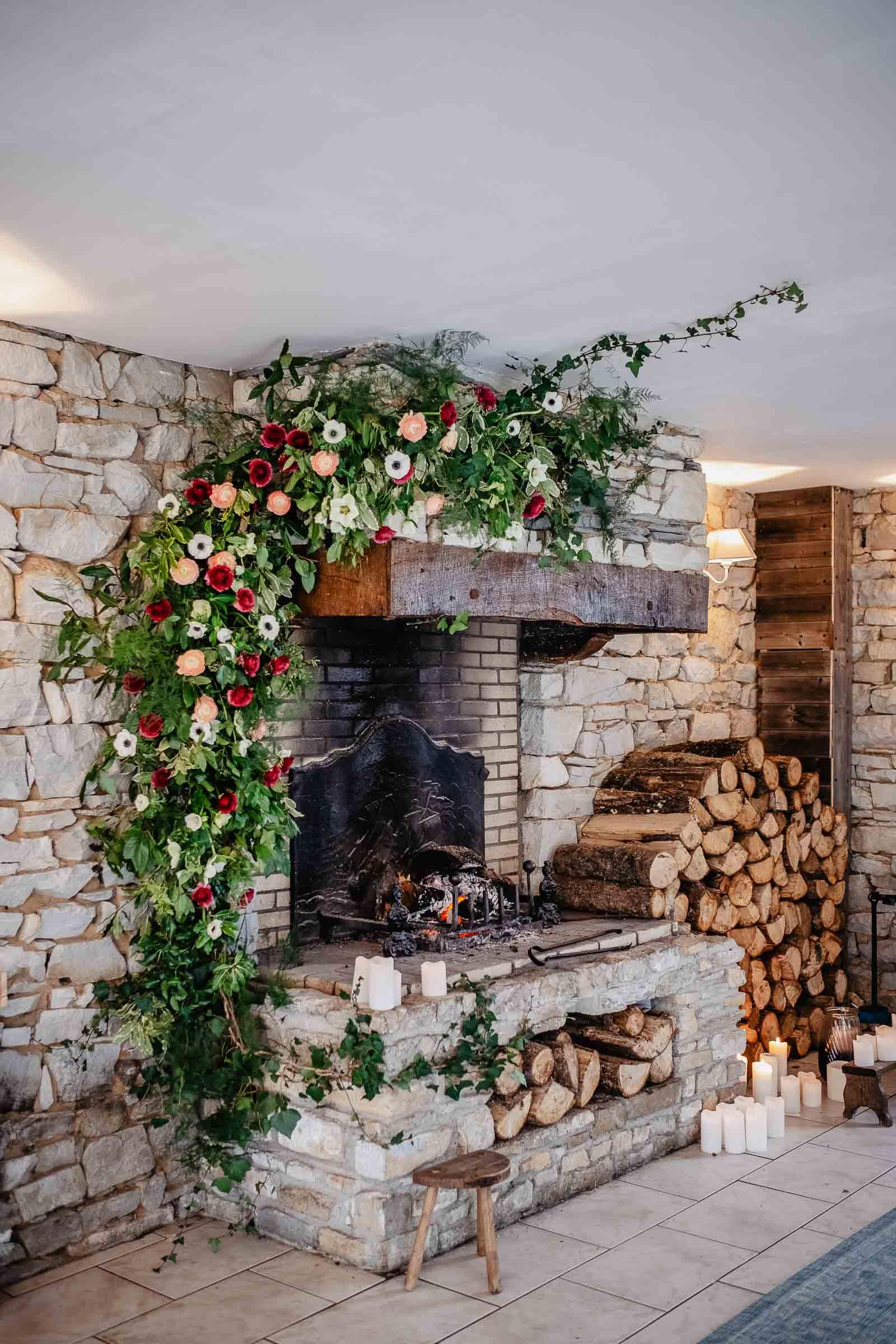 idees deco fleurs mariage hivernal