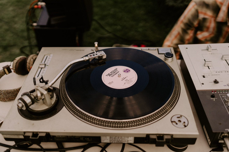 bar à vinyls mariage boheme naturel idee deco