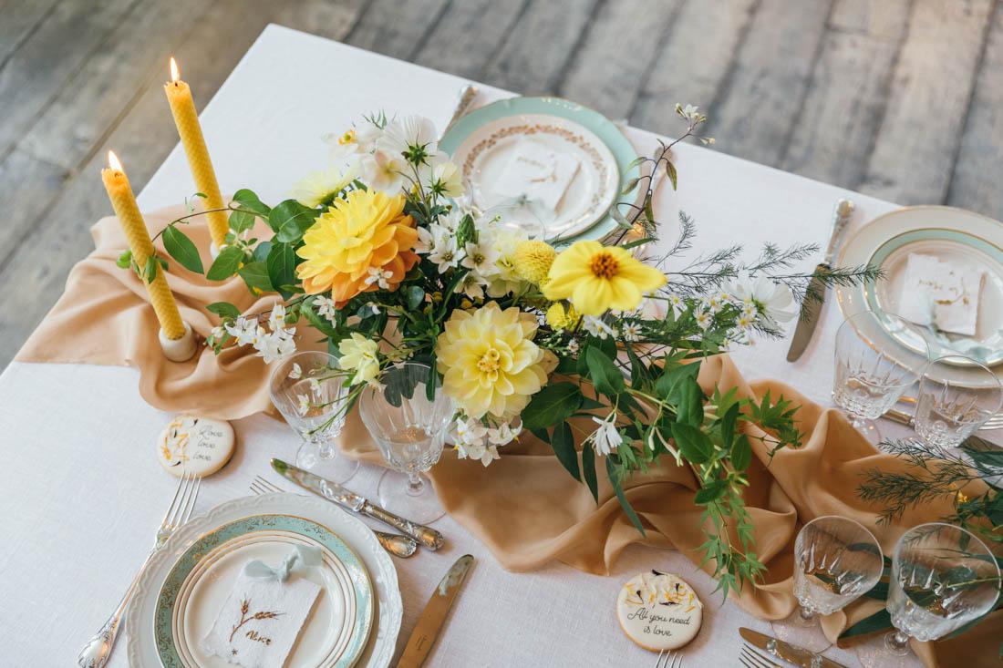 bouquet de table colore fleuriste ecoresponsable mariage bretagne