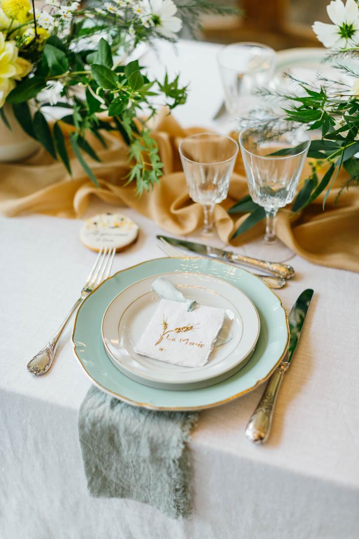vaisselle vintage depareillee a louer mariage bretagne