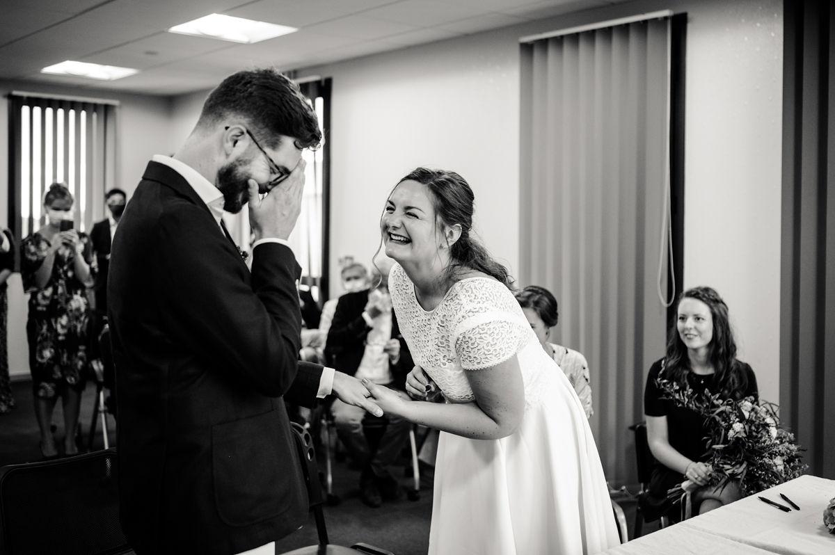 mariage civil maries emotions rituels