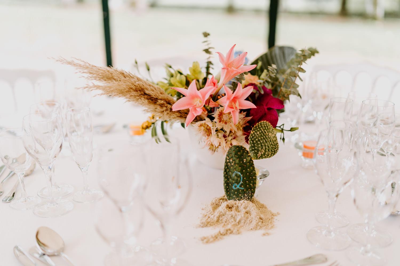 centre de table fleuri coloré mariage vendee