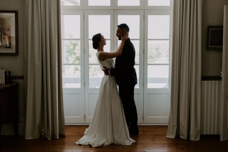 couples maries photo de mariage robe costume