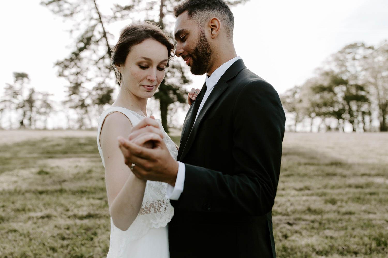 photo de mariage maries danse amour