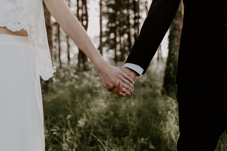 photo mariage maries amour mains