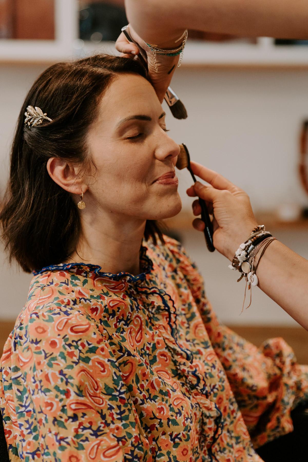 préparatifs coiffure maquillage mariee
