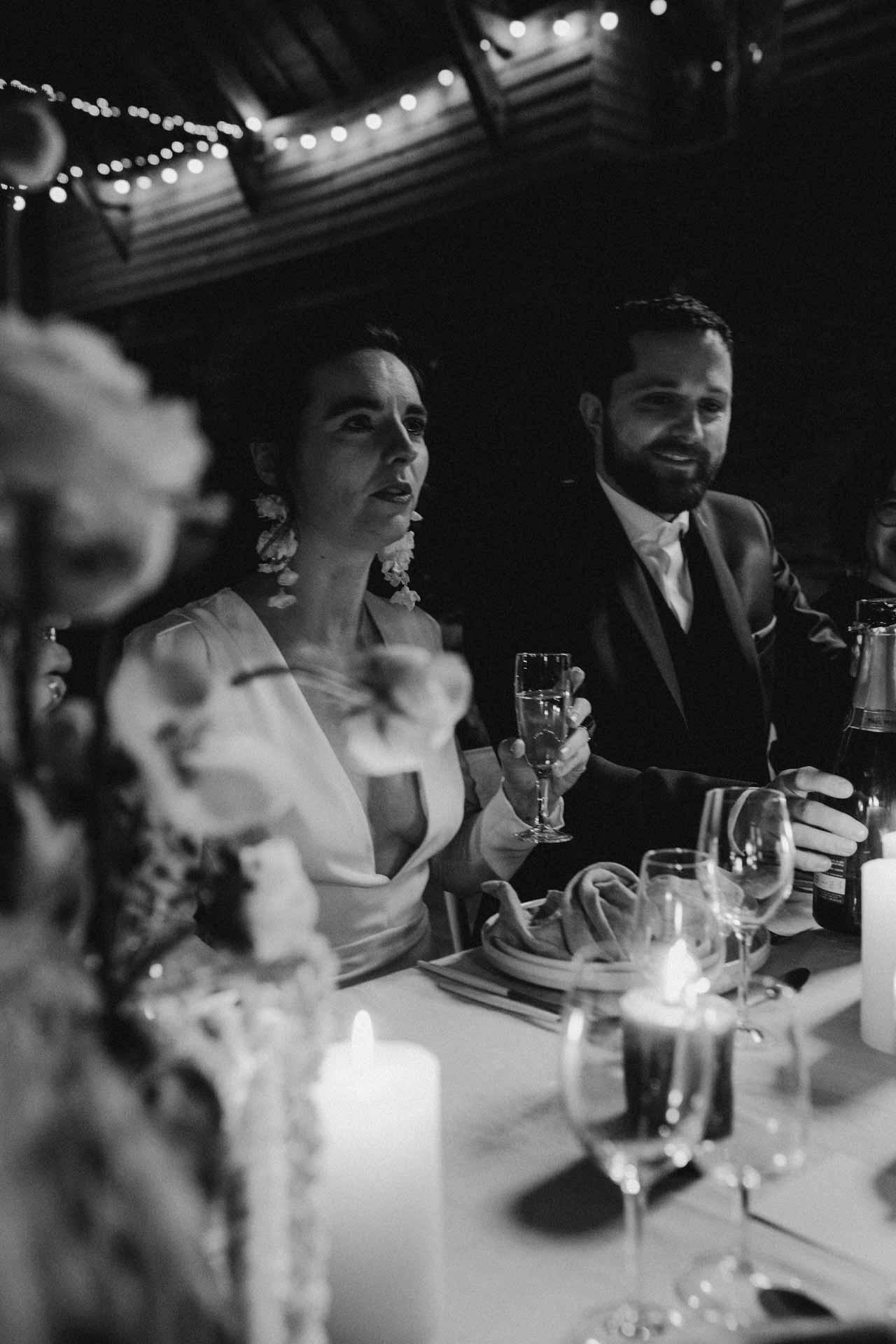 repas mariage decoration florale bougies