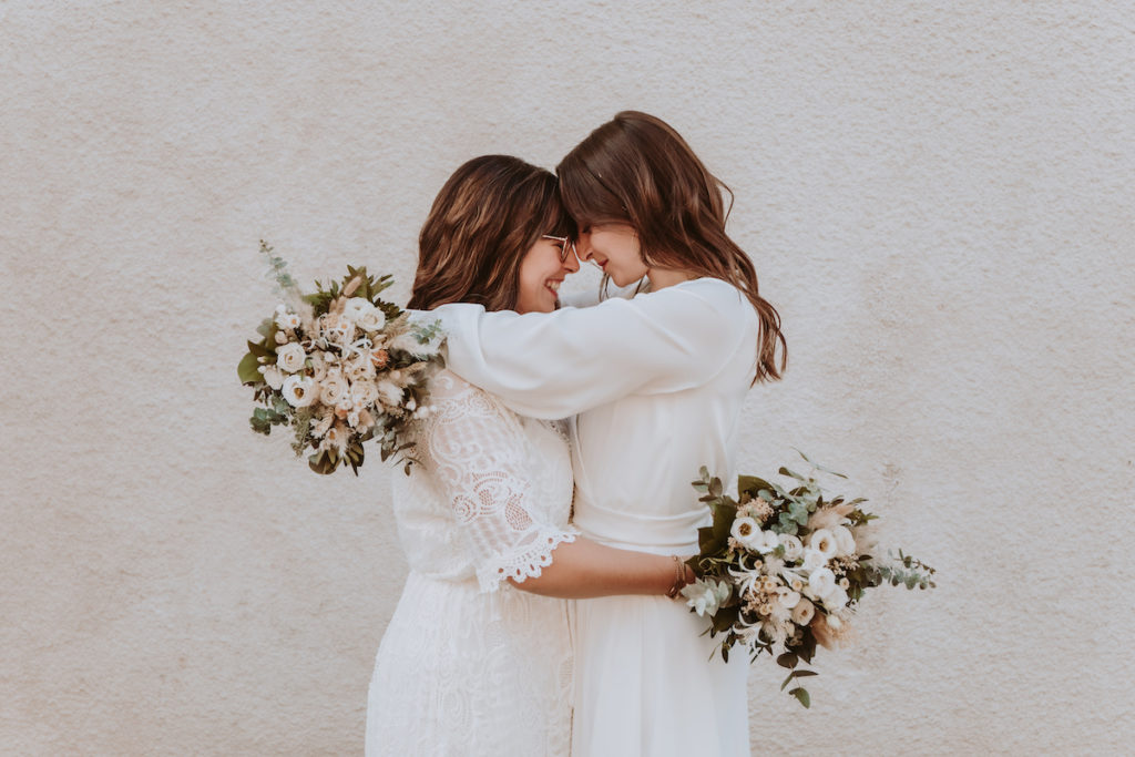 mariage homosexuel robes de mariees bouquets de mariees amour tendresse