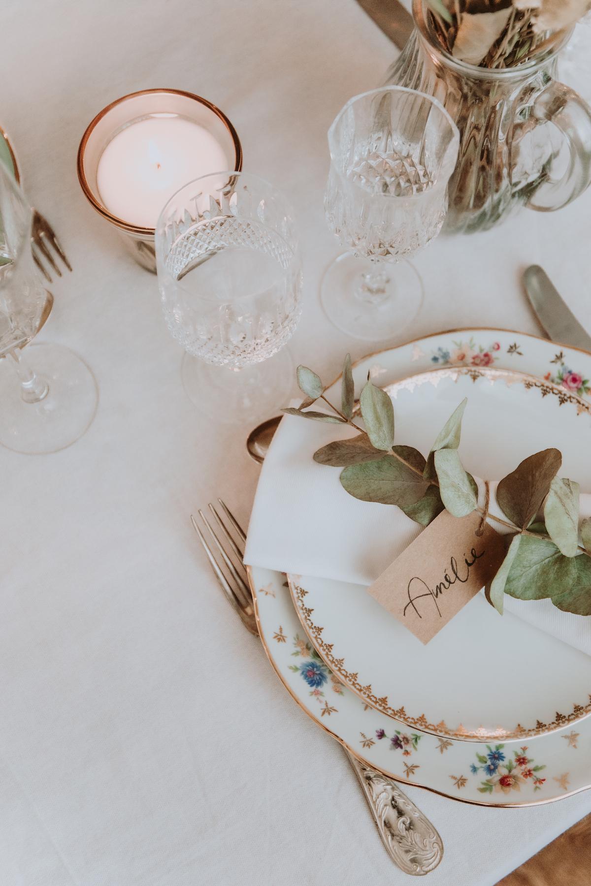 mariage boheme vaiselle decoration florale