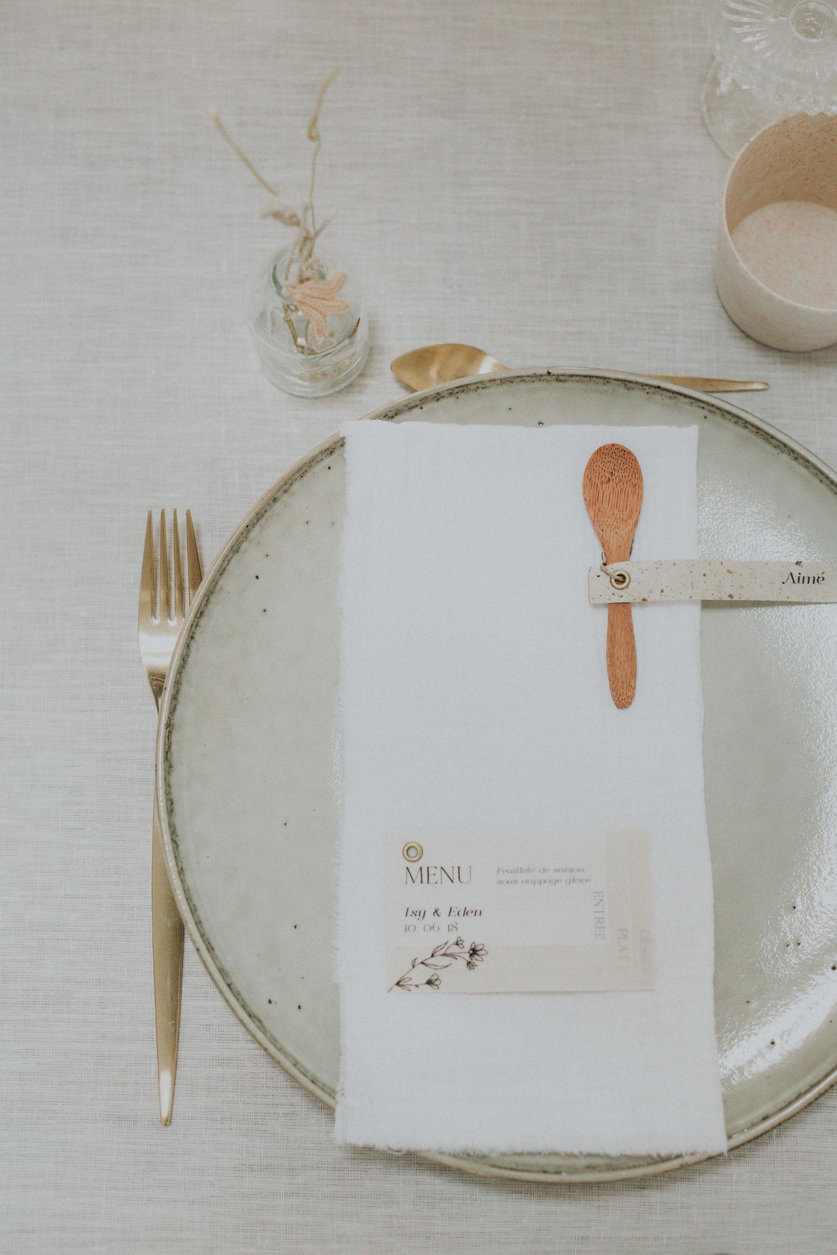 vaiselle menue mariage minimaliste moderne