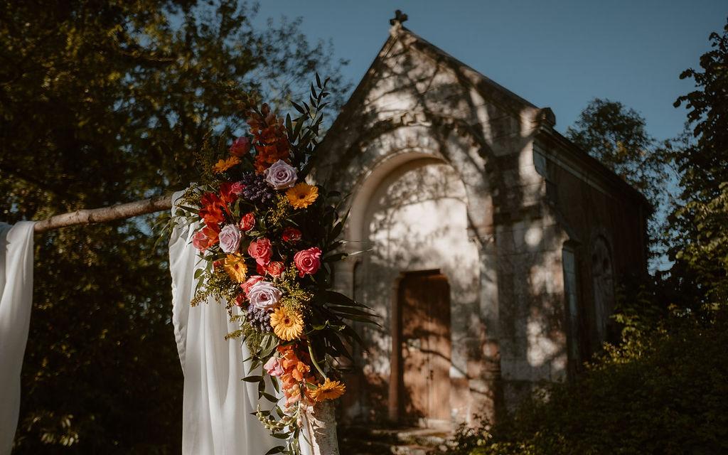 chapelle bretagne decoration florale mariage