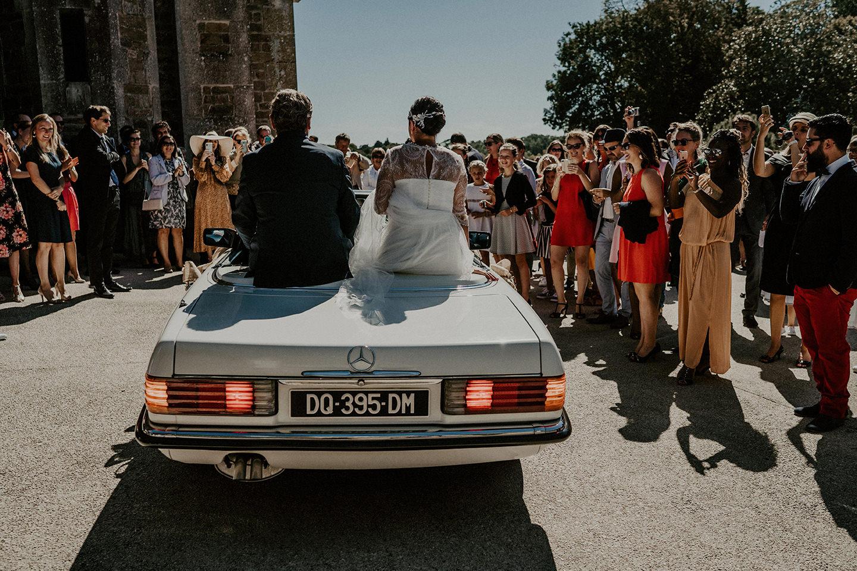 arrivee eglise voiture mariage