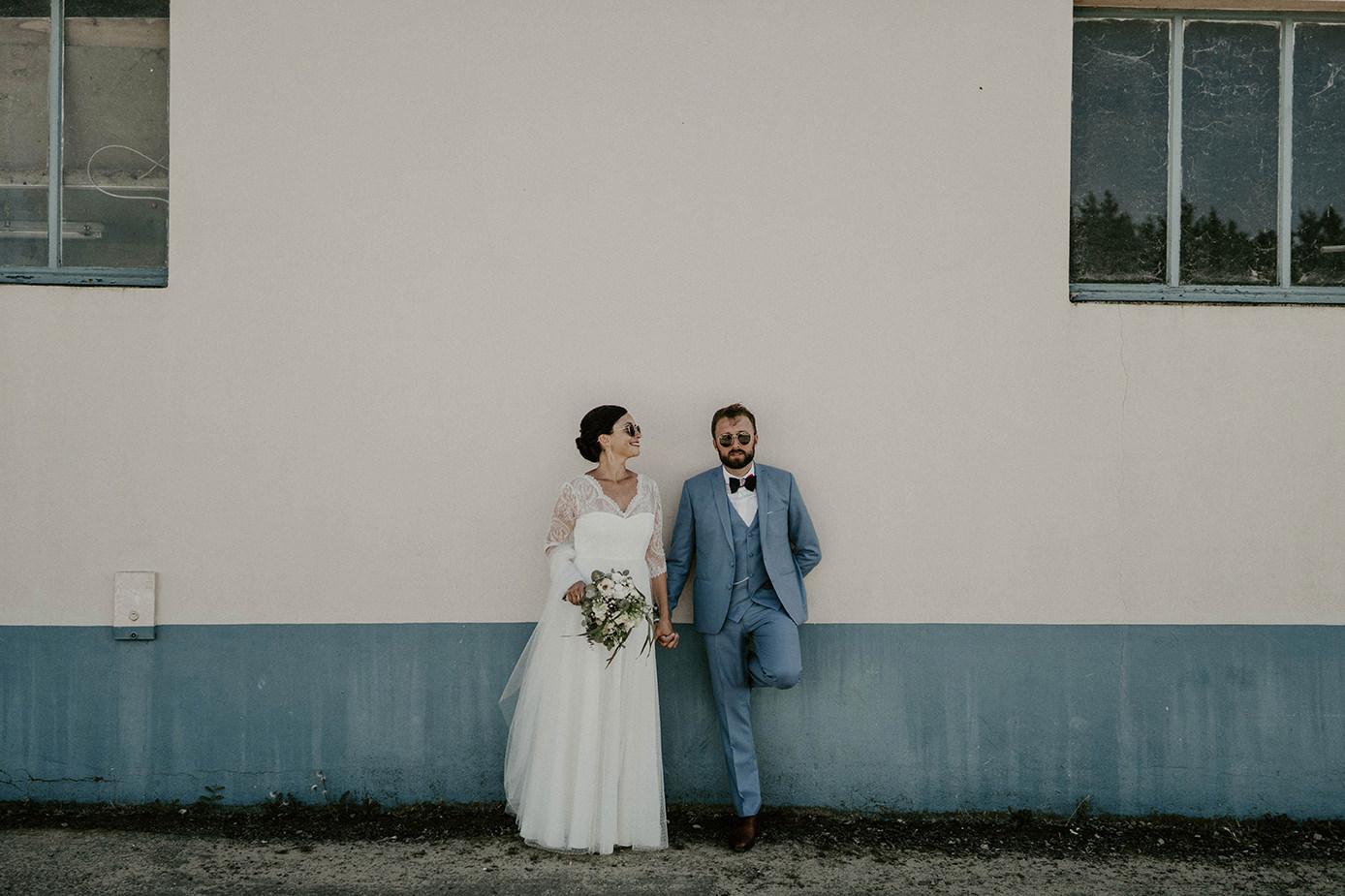 photo mariage amour jeunes maries