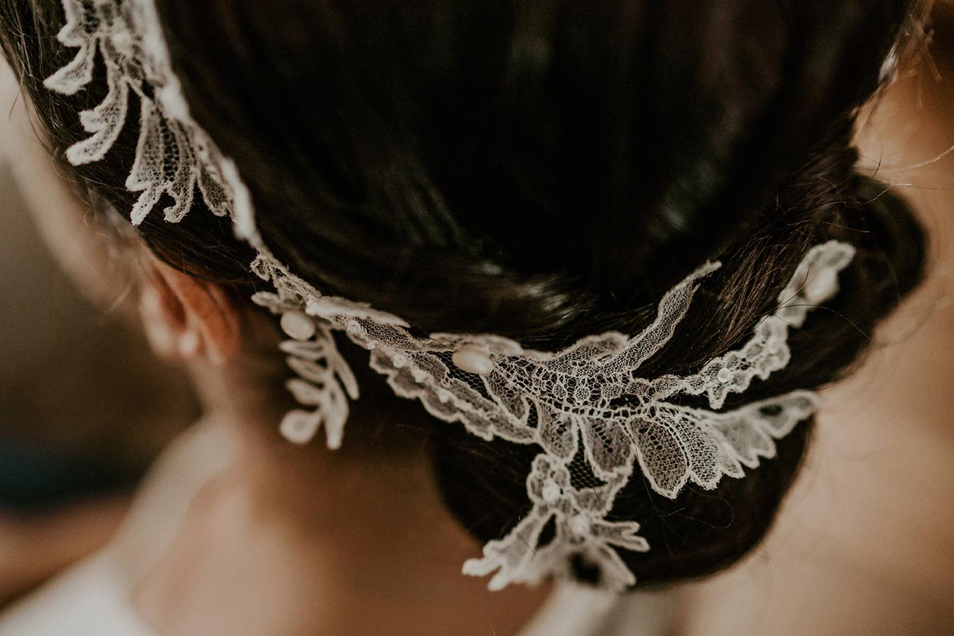 details coiffure mariee dentelle